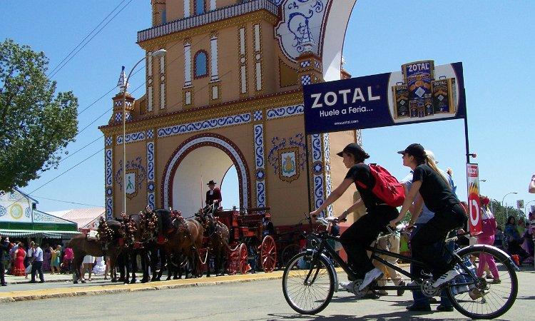 Zotal + Bicicom en la Feria de Abril de Sevilla